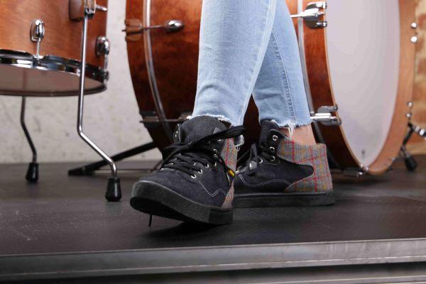 На що слід звернути увагу в зручному взутті для літніх людей?
