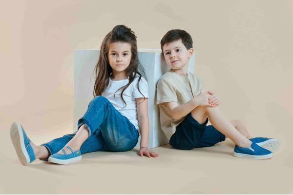 Взуття з малих років: Що вибирають батьки діткам в садок?